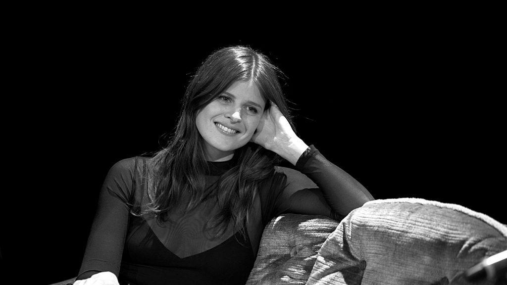 Sophie Rose von Paradisia auf der TV Noir Couch